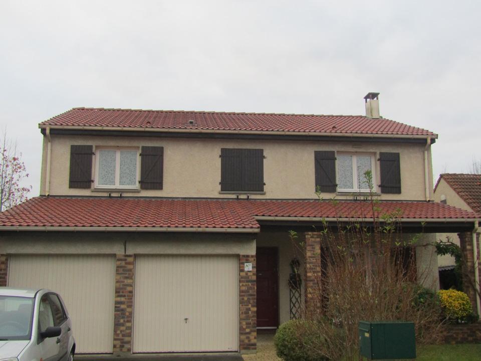 R fection pose de goutti res et isolation de toiture voisin le bretonneux for Refection toiture