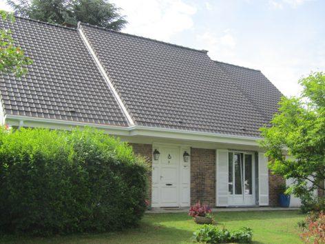 Pose de gouttières et rénovation toiture à Voisins le Bretonneux