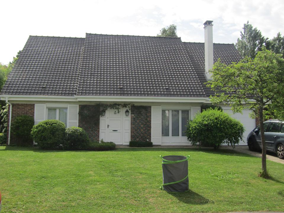 Rénovation de la toiture et peinture souche de cheminée Voisins le Bretonneux