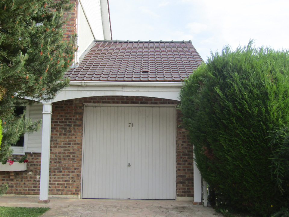 Réfection de la toiture d'un garage à Voisins le Bretonneux